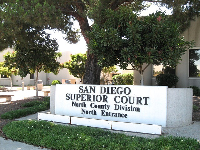 Courthouse in Vista, one entrance