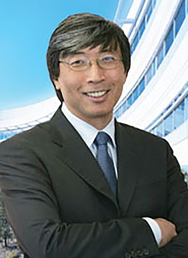 Newspaper-owning billionaires such as Patrick Soon-Shiong also want TV shows.
