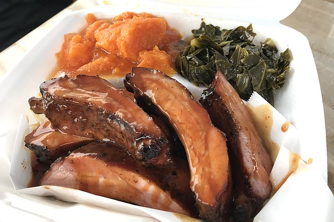 The word on these ribs is light. Light smokiness, light sweetness, light on chewing
