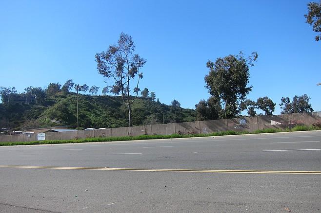 The safe parking lot on Aero has noisy speeding traffic and sirens all night.