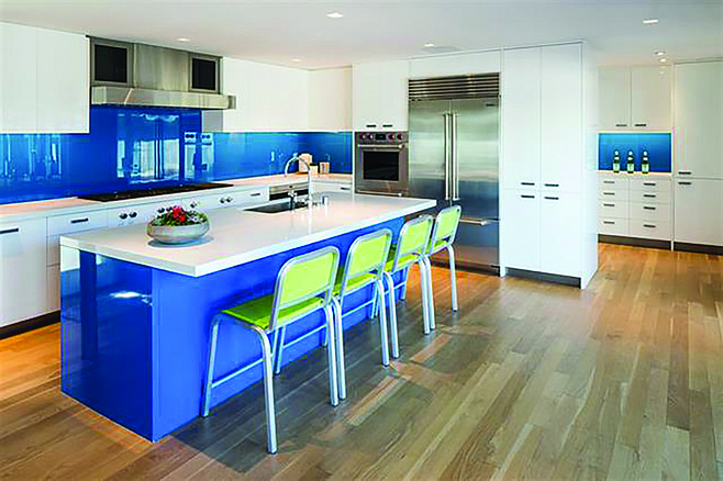 The modernized, beach-vibey kitchen.