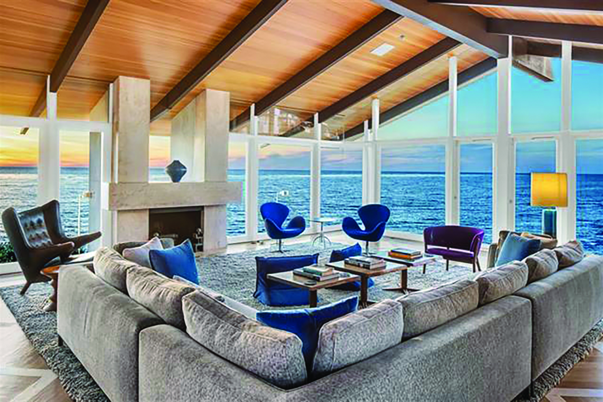 Lower Hermosa La Jolla home sports Frank Lloyd Wright inspired architecture and ocean views of Winansea Beach