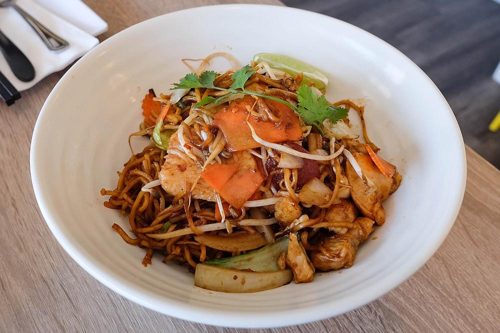 Mi goreng, an Indonesian-style soba noodle stir fry