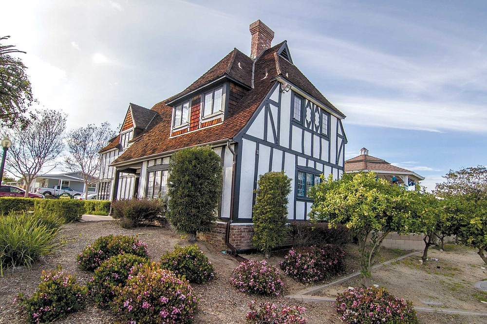 The final wipeout of the lemony past was completed in 2002 when Lemon Grovers moved Harold Lee's house, a medieval Tudor Revival mansion, built in the lemony heyday, 1928.