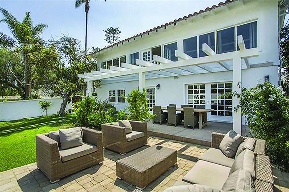 Pinch me darling, it's a splittable lot in Coronado!