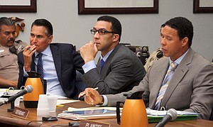 Atty Marc Carlos, defendant Kellen Winslow Jr., Atty Brian Watkins. Photo by Eva Knott.