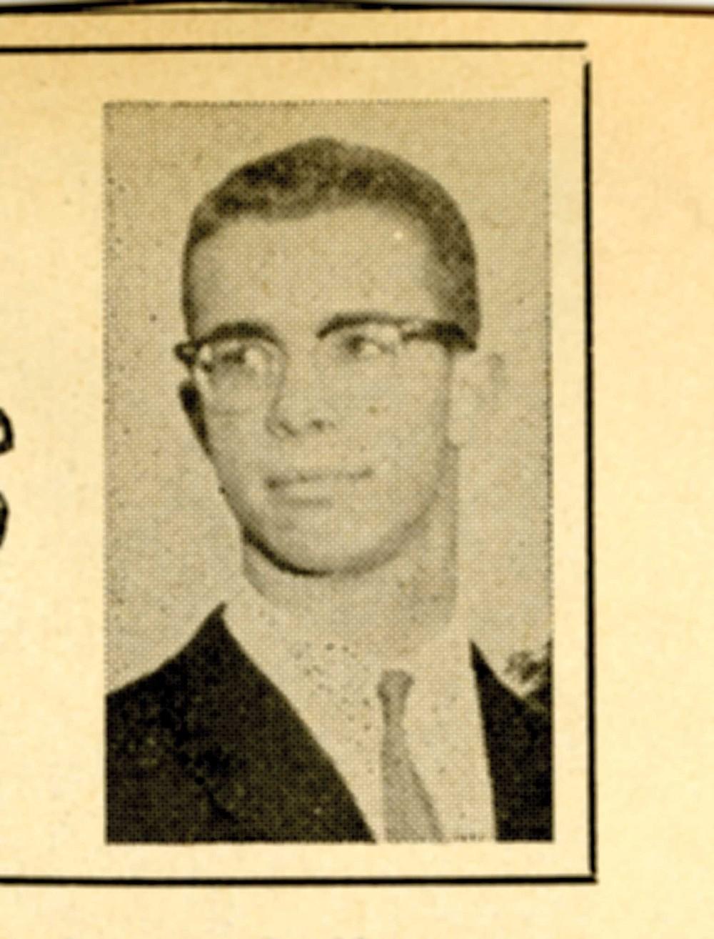 Tom Lickona, collegiate sportswriter