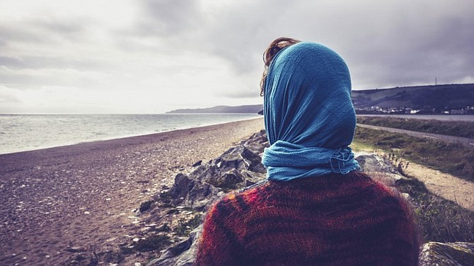 Different Strategies to Deal With Loneliness After Divorce. Want to learn more, must visit: https://www.gobrokentobeautiful.com/