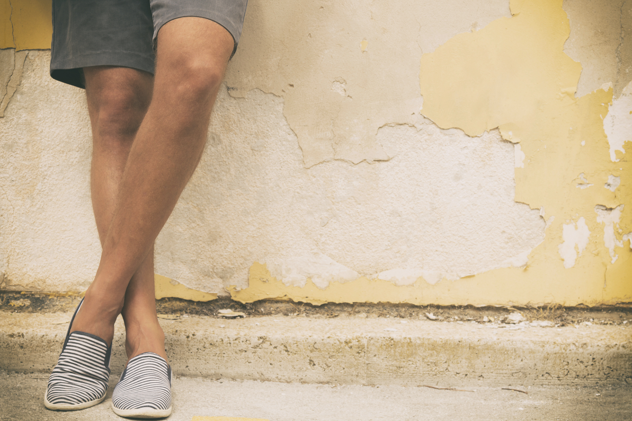 How to dress up in Linen and Chinos for hot weather