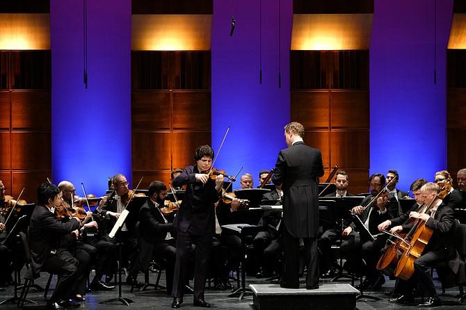 Augustin Hadelich, violin. Michael Francis, conductor.