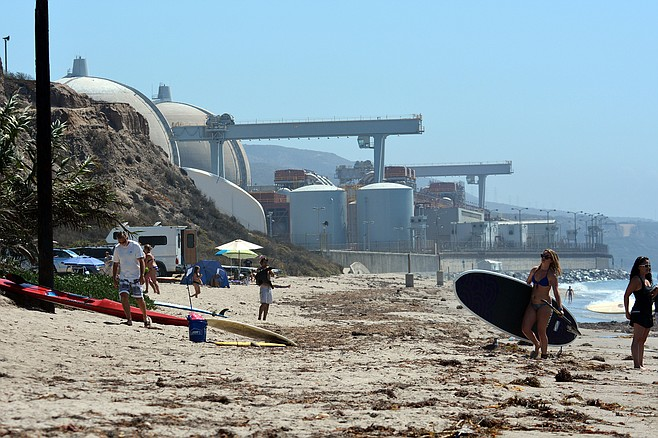 1800 tons of nuclear waste being stored under the sand at San Onofre?