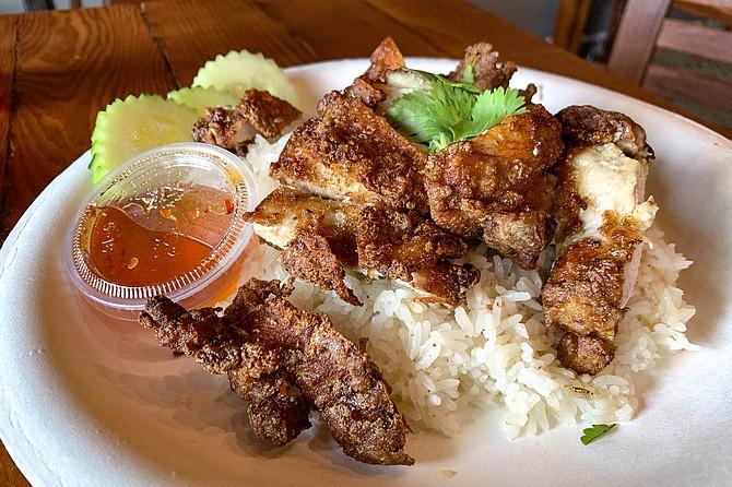 Kao mun gai tod, a.k.a. Thai fried chicken and rice