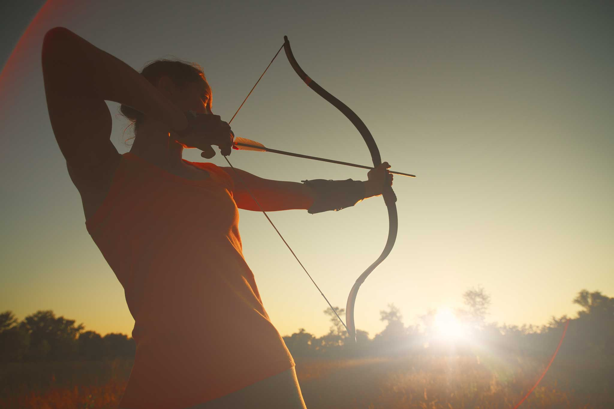 Learn Hunger Game style archery – longbows and recurves