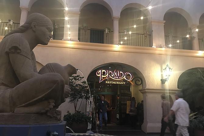 Woman of Jaguar Hill - Tehuantepec - at restaurant entrance
