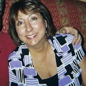 Deb (Amanda's mother)