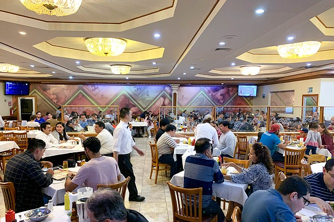 The spacious Chinese restaurant in Mexicali