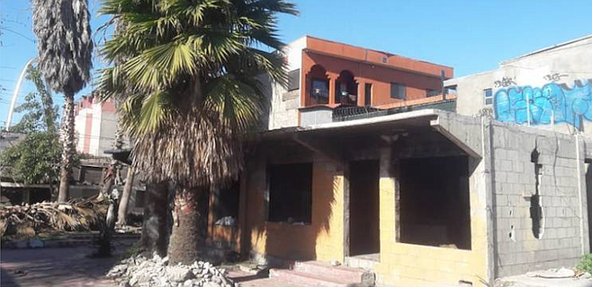Abandoned house from article in El Sol de Tijuana on squatters. (Photo by Angeles Garcia)
