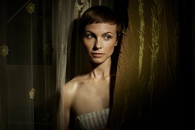 Jazz vocalist and songwriter Kat Edmonson recently finished her new album titled Dreamers Do.