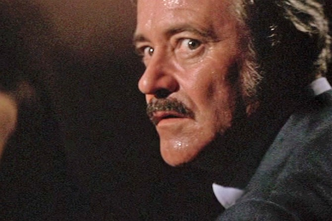Airport 1977: Jack Lemmon's days of brine and grosses.