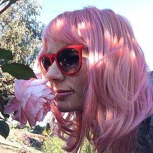 rebeccanoelle's avatar