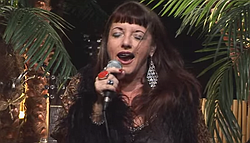 Candye Kane singing at the Oasis House Concerts in 2010